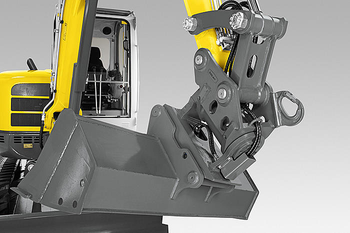 Wacker Neuson easy lock quick hitch system on excavator