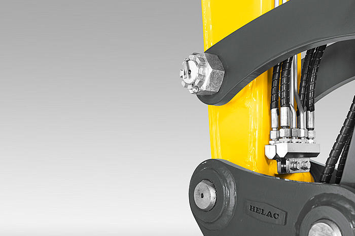 Wacker Neuson easy lock quick hitch system hydraulics detail